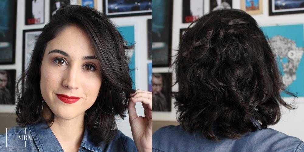 Duas fotos, uma de frente e outra de costas, mostrando o resultado do cabelo após a lavagem usando apenas shampoo e condicionador